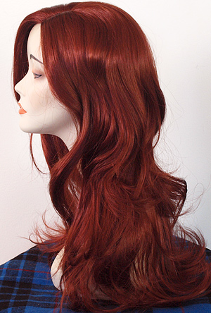 Lauren wig in 130, side view